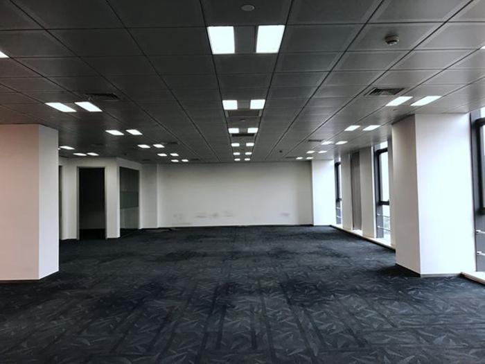 【办公室装修】虹桥国际商务广场在建工地