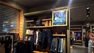 上海服装店装修中该如何灵活运用灯光照明